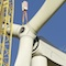 Installation einer Windkraftanlage: Laufend kommen neue technische Entwicklungen hinzu.