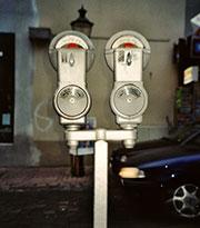 Parkuhren haben in Nürnberg, Hamm und Remscheid ausgedient – Parkgebühren werden dort mobil bezahlt.