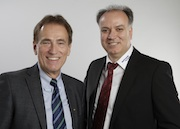 Jürgen Barthauer (l.) und Anis Saad führen die Barthauer Software GmbH nun gemeinsam.