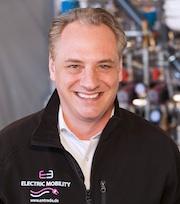 """Entrade-Vorstand Julien Uhlig: """"Wir haben einen Hochtemperatur-Reaktor entwickelt, in dem bei der Verschwelung von Biomasse-Pellets ein hochwertiges Synthesegas entsteht."""""""