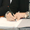 Die öffentlich-rechtliche Vereinbarung zur Einrichtung eines gemeinsamen telefonischen Service-Centers für Stadt und Kreis Soest ist unterzeichnet.