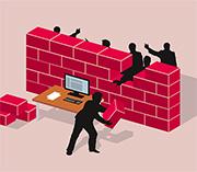 Eine Firewall schützt vor Hackerangriffen von außen.