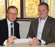 Bernhard Möller ist stellvertretender Geschäftsführer bei ITEBO (l.) und Gero Illemann, dort im Bürger-Management tätig.