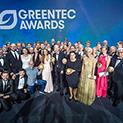 Preisträger, Laudatoren und Bühnengäste der GreenTec Awards 2016 gemeinsam auf der Bühne in München.