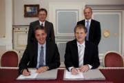 Vertreter der Stadt Leimen und der Heidelberger Netzgesellschaft unterzeichnen für weitere 20 Jahre einen Konzessionsvertrag für Gas.