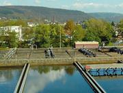 Beim Belegungsbecken des Trierer Hauptklärwerks kann gleich an mehreren Stellschrauben gedreht werden, um Einsparungen zu erzielen.