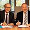 Vertragsunterzeichnung: Landratsamt Starnberg nutzt künftig das AKDB-Rechenzentrum.