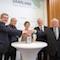 Ministerpräsidentin Annegret Kramp-Karrenbauer (Mitte) gibt den Startschuss für das Bevölkerungswarnsystem KATWARN im Saarland.