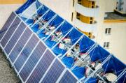 Die neuartige Solar-Wind-Kraftanlage soll 95.000 Kilowattstunden Strom pro Jahr erzeugen.
