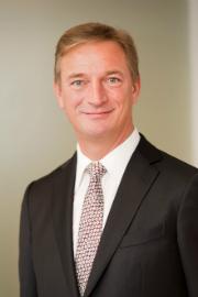 Matthias Brückmann soll wegen einer unerlaubten Spende den Oldenburger Energieversorger EWE verlassen.