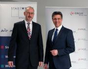 Kooperation vereinbart: Winfried Klinger, Geschäftsführer der Stadtwerke Schwabach (l.) mit Johannes Heinze, Geschäftsführer der N-ERGIE Effizienz GmbH.