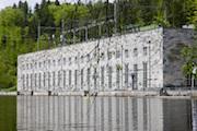 Das Pumpspeicher- und Laufwasserkraftwerk am Fluss Pfreimd wird durch einen Batteriespeicher ergänzt.