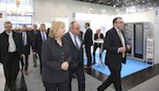 NRW-Ministerpräsidentin Hannelore Kraft beim Messe-Rundgang auf der Energy Storage Europe 2017.