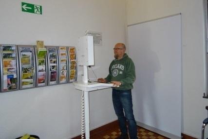 Bilder für Pass oder Personalausweis können in den Aachener Bezirksämtern nun via Terminal selbst erstellt werden.