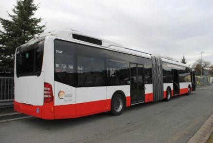 Die Stadtwerke Tübingen haben zwei gebrauchte Hybridbusse des Typs Mercedes-Benz Citaro O 530 GDH von der Hamburger Hochbahn übernommen.
