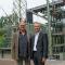 Projektleiter Holger Breuner (l.) und Holger Rost, Chef der Stadtwerke Bochum Netzgesellschaft, freuen sich über den neuen Umspanner.
