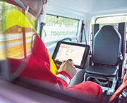 Landkreis Ludwigslust-Parchim stattet Rettungsfahrzeuge mit iPads aus.
