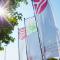 Die Stadtwerke Osnabrück halten die Fahnen hoch. 2016 hat das kommunale Unternehmen einen Jahresüberschuss von vier Millionen Euro erzielt.