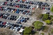 In Jena können Parkgebühren bald mit einer Handy-App bezahlt werden.