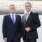 Die beiden Geschäftsführer der Stadtwerke Bochum Dietmar Spohn und Frank Thiel freuen sich über den Förderbescheid.