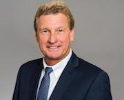 Bernd Buchholz, Minister für Wirtschaft, Verkehr, Arbeit, Technologie und Tourismus, will für gläserne Bandbreiten in Schleswig-Holstein sorgen.