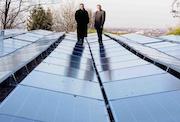Neue Energiequelle über den Dächern Bonns: Stadtwerke Bonn nehmen neue Photovoltaikanlage in Betrieb.