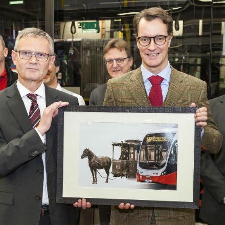 Das Land Nordrhein-Westfalen fördert die Beschaffung von weiteren 50 emissionsfreien E-Bussen bei den Kölner Verkehrs-Betrieben (KVB).