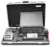 Der Fahndungskoffer mit Lösungen des Unternehmens DESKO unterstützt die Bundespolizei bei der Aufnahme personenbezogener Daten.