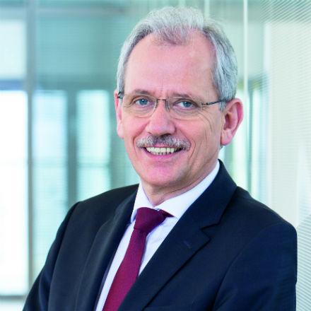 Norbert Breidenbach bleibt bis zum Jahr 2020 Vorstandsmitglied von Mainova.