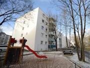 Mit neuer Technik werden 70 Wohnungen in der sanierten Wohnanlage in Augsburg hocheffizient und umweltfreundlich mit Strom und Wärme versorgt.
