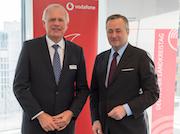 Der Deutsche Landkreistag und Vodafone setzen sich gemeinsam für den Glasfaserausbau in Kommunen ein.