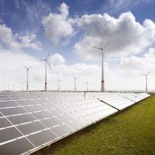 Bundesnetzagentur startet die erste gemeinsame Ausschreibung für Windenergieanlagen an Land und Solaranlagen.