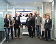 Das Relaunch-Team des krz präsentiert der Geschäftsführung den neuen Internet-Auftritt.
