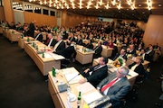 Nach dem Vorbild der Stadt Bonn will Wuppertal künftig Ratssitzungen auch live im Web übertragen.