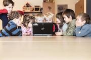 Digitales Bildungsnetz Bayern bietet Zugang zu digitalen Medien und Lerninhalten.