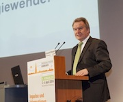 Baden-Württembergs Umweltminister Franz Untersteller betonte in seiner Rede die lokale Perspektive bei der Umsetzung der Energiewende.