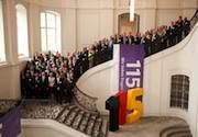 115-Teilnehmerkonferenz zieht für 2013 positive Jahresbilanz.