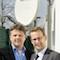 Ulrich Clausmeyer (links), Leiter Netzführung und Heinz-Werner Hölscher, Geschäftsführer der SWO Netz GmbH ziehen positive Bilanz der eingesetzten Satellitentechnik.