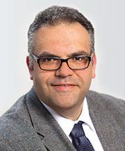 Markus Aeugle ist Bereichsleiter Application & Platforms bei der Firma init.