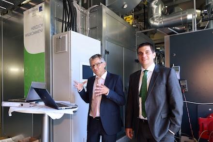 Arbeitsatmosphäre: Die Geschäftsführer des Stadtwerks am See Alfred Müllner (links) und Klaus Eder beim Bilanz-Pressegespräch.