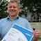 Uwe Kreitel vom Vertrieb der Stadtwerke Energie Jena-Pößneck freut sich über das TÜV-Zertifikat.