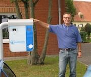 So wie Hansgeorg Molnar nutzen viele Angestellte auf dem Innopark in Kitzingen das   Ladesystem von Belectric Drive.