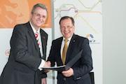 Partnerschaft besiegelt langjährige Zusammenarbeit.