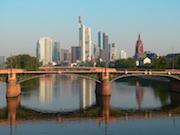 Mit einem elektronischen Antrags- und Fall-Management-System geht Frankfurt am Main den nächsten Schritt beim E-Government.