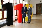 In einer zweijährigen Testphase kooperieren Frankfurt am Main und Rüsselsheim ab Januar 2016 bei der Behördenrufnummer 115.