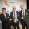 Repräsentanten der Stadtwerke Wolfhagen nehmen den Energy Award 2015 entgegen.