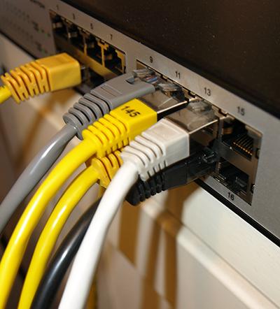Mit 2,7 Milliarden Euro will die Bundesregierung den Breitband-Ausbau in Deutschland unterstützen.