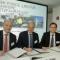 Vertreter der Branchenverbände unterzeichnen den Vertrag zur Gründung einer LNG-Taskforce.