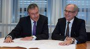 Vertragsunterzeichnung: Siemens soll die Gas- und Dampfturbinen-Anlage von Vattenfall in Berlin-Marzahn bauen.