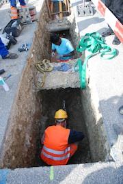 Werden Straßen neu gebaut oder saniert, lassen sich Kosten sparen, wenn gleichzeitig Leerrohre für Glasfasernetze verlegt werden.